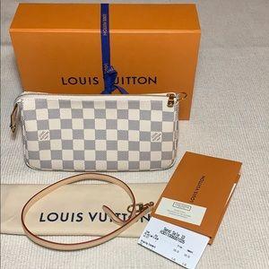 NEW Louis Vuitton Pochette Accessoires Damier Azur